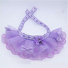 Crochet Baby Bibs, Diy Crafts Knitting, Dog Items, Pet Fashion, Dog Bows, Pandora, Dog Birthday, Dog Dresses, Cat Collars