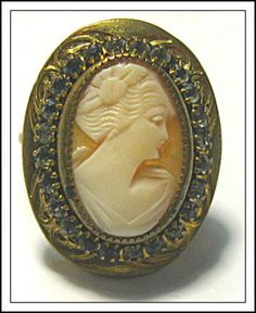 ANTIQUE SHELL CAMEO COSTUME RING