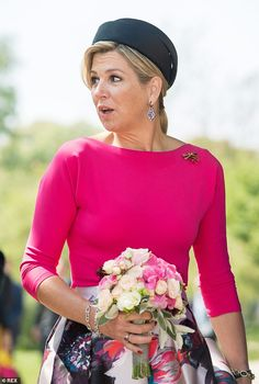 Queen Maxima of the Netherlands, and her husband King Willem-Alexander, have commenced their three-day visit to Germany with a speech at Schwerin Castle. Visit Germany, Dutch Royalty, She Is Gorgeous, Queen Maxima, Royal House, Celebs, Celebrities, Royal Fashion, Netherlands