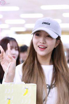 gfriend pics (@gfriendspics) | Twitter Led Dance, Cap Girl, Gfriend Sowon, Girl Group, Dancer, Korea, Baseball Hats, Entertaining, Guys