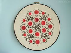 Love this embroidery hoop button art Blackwork Embroidery, Embroidery Hoop Art, Vintage Embroidery, Cross Stitch Embroidery, Embroidery Patterns, Simple Embroidery, Machine Embroidery, Learn Embroidery, Button Art