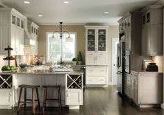 thomasville kitchen cabinets gallery | Thomasville Traditional Kitchen in White…