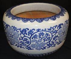 blue & white ceramic hibachi