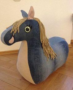 Rutschtierpferg nähen, recycling Jeans und Jersey, Anleitung, Schnittmuster, Kind, Spielzeug, Riesenkissen