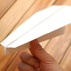 Fabriquer un avion en papier