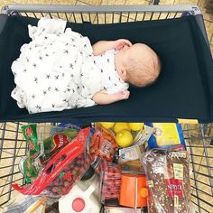 Binxy Baby Shopping Cart Hammock. Top Mom Life Hack. BabyCenter approved. Cart cover. Baby shopping. SHOP binxybaby.com