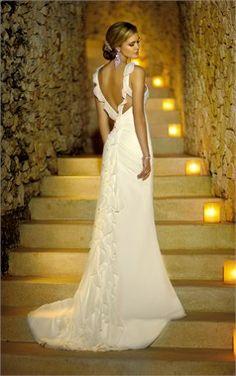 stunning wedding dress #cool #wedding www.brayola.com