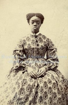 These 16 Photos of Victorian Women of Color Are So Resplendently Glorious Vintage Black Glamour, American Photo, Victorian Women, Victorian Era, Victorian Costume, African Diaspora, African American History, American Women, Vintage Pictures