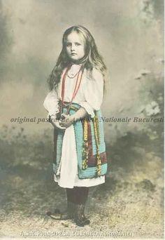 Principesa Elisabeta a României, s. Romanian Royal Family, Queen Anne, Royalty, Daughter, Descendants, Edinburgh, Anime, Home, Royals
