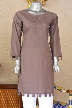 Faisalabad fabric store is the best Pakistani wholesale kurti supplier of ladies summer and winter kurtis to all over the world in stitch and unstitch form. Eid Dresses For Girl, Stylish Dresses For Girls, Simple Dresses, Casual Dresses, Stylish Dress Book, Formal Dresses, Beautiful Pakistani Dresses, Pakistani Dresses Casual, Pakistani Dress Design
