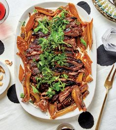 Alison Roman Makes a Tangy Herby Brisket Worth Looking Forward To — Bon Appétit Roman Food, Dinner Party Recipes, Dinner Ideas, Pork Meat, Brisket, Lunches And Dinners, Main Meals, Bon Appetit, Beef Recipes