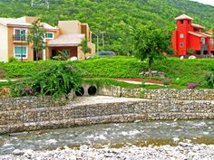 landscape design slope drainage with gabion | ... Mesh Systems, Woven Wire Gabions, Gabion Baskets | Gabionbaskets.net