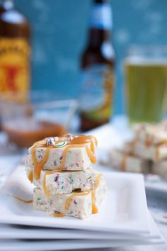 Hard Cider White Peppermint Fudge: This Easy Holiday Fudge Starts With Reduced Angry Orchard Hard Cider. In addition, I Like To Top Mine With A Drizzle Of Fireball Whisky Caramel Yum. Fudge Recipes, Best Dessert Recipes, Candy Recipes, Cookbook Recipes, Delicious Recipes, Desserts, Easy Holiday Recipes, Christmas Recipes, Angry Orchard