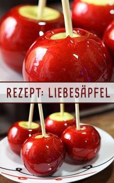 Kandierte Äpfel Bring the fair home – with candied apples! Apple Recipes, Baking Recipes, Candy Apple Bars, Halloween Candy Apples, Cinnamon Candy, Apple Bite, Best Candy, Homemade Candies, Candy Recipes