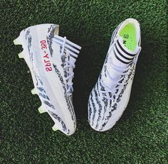 d62a254d5276 Would you rock these custom painted yeezy cleats done by  adrianscustoms    yeezy
