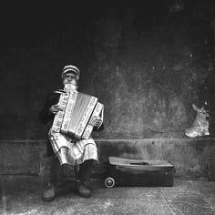"""Le grand gagnant de l'édition 2015, Michal Koraleswki, avec son cliché """"Sounds of the Old Town"""""""