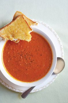 Tamatie-roomsop | SARIE | Cream of tomato soup A Food, Good Food, Food And Drink, Yummy Food, Kos, Crock Pot Cooking, Cooking Recipes, Soup Recipes, Dessert Recipes