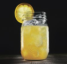 """Arnold Palmer served in Mason Jars (iced tea and lemonade) - Adult Version - add Vodka - it's called a """"John Daly""""! Arnold Palmer, Tea Cocktails, Cocktail Recipes, Gin Recipes, Honey Recipes, Spiked Tea, Hangover Drink, John Daly, Yellow"""
