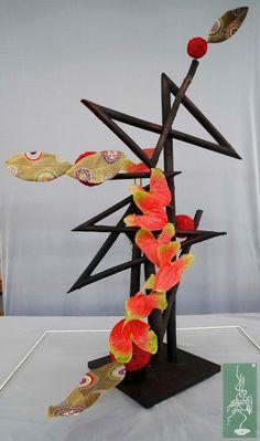 Hotel Flowers, Abstract Designs, Flower Show, Ikebana, Flower Crafts, Zig Zag, Memphis, Flower Designs, Tablescapes
