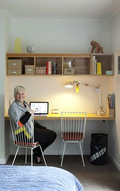 floating wall mounted desk (via Cush and Nooks: Kiwi Flavour)