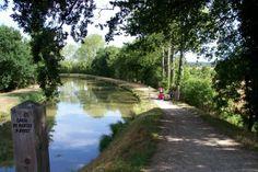Ombre et lumière le long du canal...