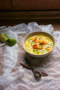 SIMPLE THAI SOUP with coconut milk and shrimp. In what seemed to me Russian, with translator. Coconut Milk Soup, Thai Soup, Nigel Slater, Cheeseburger Chowder, Thai Red Curry, Shrimp, Food Porn, Ethnic Recipes, Simple