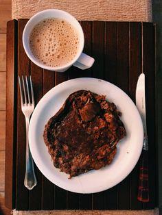 Healthy Pancake #noflour #nosugar just banana, oats, cocoa & cinnamon. #healthy ✔️