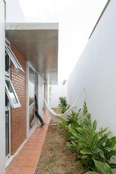 20 Fabulous Mini Garden Design Ideas for Narrow Space – Home and Apartment Ideas Outdoor Decor, Garden Design, Terrace Design, Patio Design, Side Yard, Mini Garden, Minimalist Home Decor, Garden Lighting Fixtures, Patio Interior
