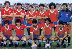 Chile-85-UMBRO-uniform-red-blue-white-group.JPG