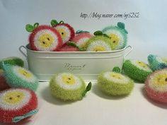 전에 떴던 사과수세미를 좀더 여리고 풋풋한 느낌으로 다시 한번 떠봤어요. 다양한 색으로 새롭게 태어난 ... Diy Crochet, Crochet Hats, Textiles, Diy And Crafts, Crochet Earrings, Knitting, Sewing, Blog, Dishcloth