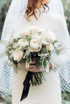 Retro Elopement Inspiration by XO & Fetti Wedding Color Schemes, Wedding Colors, Wedding Styles, Wedding Ideas, Wedding Stuff, Bridesmaid Bouquet, Wedding Bouquets, Wedding Flowers, Wedding Bells
