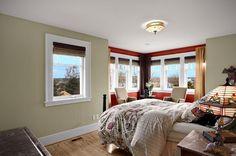 #excll #дизайнинтерьера #решения Сомнений в том, что цвет рисковый нету . Большинство оттенков деревянных изделий не очень хорошо смотрятся на красном фоне поэтому и выбор мебели у вас будет ограничен. Небольшой участок стены или угол комнаты добавит в интерьер динамику.