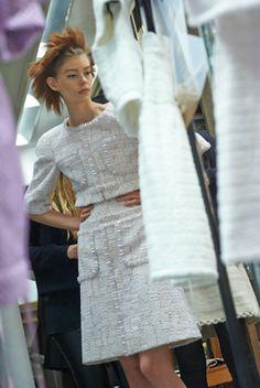MAKING OF DU DOSSIER DE PRESSE HAUTE COUTURE – Chanel News - Actualités et coulisses de la mode