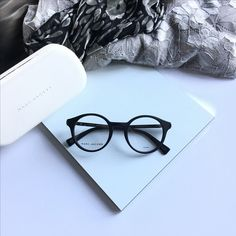 You can order these Marc Jacobs fashion sunglasses and eyeglasses with or without prescription lenses on our webshop www.eyecatchonlin.com Marc Jacobs Eyewear, Prescription Lenses, Eyeglasses, Fashion, Eyewear, Moda, Fashion Styles, Glasses, Eye Glasses