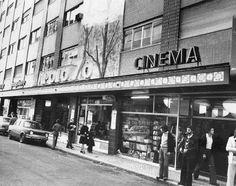 O Rato Cinéfilo: AS SALAS DE CINEMA DE LISBOA - Apolo 70 Mixed Media Photography, Vintage Photography, Antique Photos, Old Photos, Most Beautiful Cities, Imagines, Old City, Movie Theater, World History