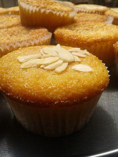 Muffin alle mandorle e latte di mandorle
