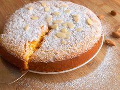 """Tento koláč je švýcarskou specialitou zvanou """"rüblitorte"""", pojí se v něm výrazná citronová chuť spolu"""