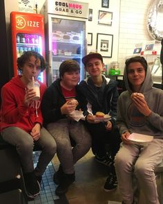 "17.2 mil Me gusta, 290 comentarios - Jack Dylan Grazer (@jackdgrazer) en Instagram: ""Korean BBQ and topping it all off with some @coolhaus ice cream. #delicious"""
