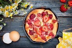 Gourmand, estival et facile à faire, ce clafoutis aux fraises va vous régaler !