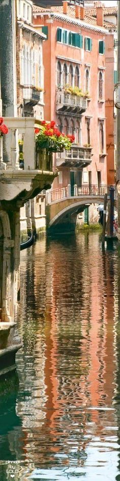 Venice Italy  ✈✈✈ Don't miss your chance to win a Free International Roundtrip Ticket to Milan, Italy from anywhere in the world **GIVEAWAY** ✈✈✈ https://thedecisionmoment.com/free-roundtrip-tickets-to-europe-italy-venice/