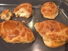 Τυροπιτάκια κουρού από την Αργυρώ Μπαρμπαρίγου | Μία εύκολη συνταγη με ζύμη φανταστική, για να τη φτιάχνετε σε κάθε περίσταση. Cheese Pie Recipe, Cheese Pies, Greek Recipes, Quick Recipes, Cooking Recipes, Food Categories, Breakfast Time, Sweet And Salty, Finger Foods