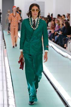 Die Trends in der Mode für 2020 sind überraschend, aber gut Givenchy, Balenciaga, Fashion Models, Fashion Show, Runway Fashion, Fashion Design, Dolce & Gabbana, Lacoste, Rapper