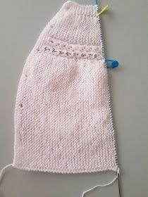 """JUBILOCIOS: JERSEY DE BEBÉ, CANESÚ DE OCHOS (JERSEY """"PRINCESA"""") Baby Cardigan Knitting Pattern, Knitting Wool, Knit Vest, Knitting For Kids, Baby Knitting Patterns, Baby Girl Cardigans, Baby Girl Dresses, Kids Dress Wear, Bebe Baby"""