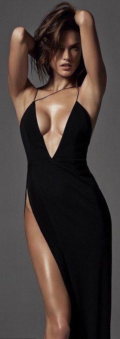 Alessandra Ambrosio for Harper's Bazaar / black dress Alessandra Ambrosio, Sexy Dresses, Robes Glamour, Sexy Women, Vestidos Sexy, Beauty And Fashion, High Fashion, Fashion Black, Dress Fashion