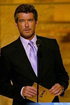 Pierce Brosnan says leaving James Bond was liberating Most Handsome Men, Handsome Actors, Hot Actors, Hottest Actors, Best Mens Fashion, Look Fashion, Estilo James Bond, Viejo Hollywood, James Bond Movies
