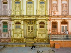 Historic homes add color and resplendence to a Sidhpur, India, neighborhood in this National Geographic Photo of the Day.