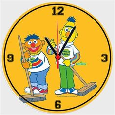 Edi ile Büdü - Temizlik Yapıyor Kendin Tasarla - Duvar Saati 27cm
