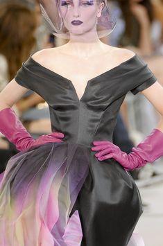Christian Dior Fall 2010 - Details