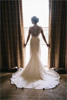 Jenny Packham Wedding Dress #bride #weddingdress #weddingchicks http://www.weddingchicks.com/2014/03/05/hawaiian-pink-and-gold-wedding/
