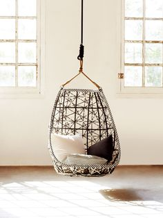 Maia di Kettal - by Patricia Urquiola Patricia Urquiola, Hanging Hammock Chair, Swinging Chair, Hanging Chairs, Chair Design, Furniture Design, House Furniture, Bubble Chair, Outdoor Wicker Furniture